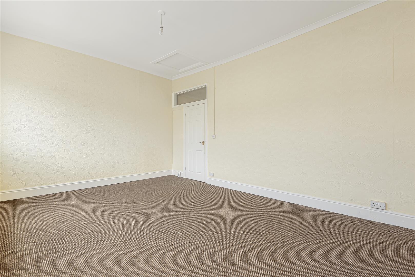 Lakefield Place, Llanelli, SA15 2TY